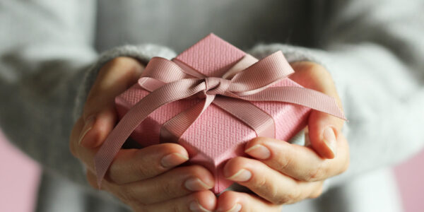 7 Simple Things You Need to Know If You're Planning on Gifting Money